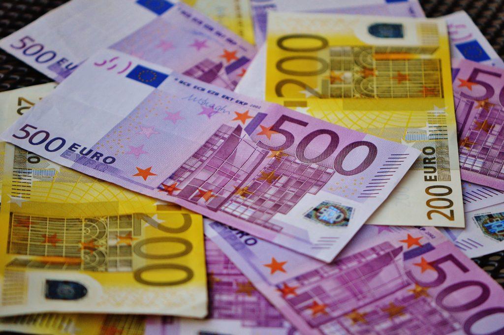 Heas usus kopsaka ettemaksu tasunud klient jäi Eesti veebipoest tellides tuhandetest eurodest ilma
