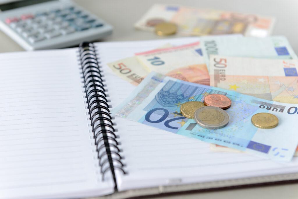 Kuidas käib laenu ennetähtaegne tagasimaksmine ja mis pangad selle eest lisatasu küsivad?